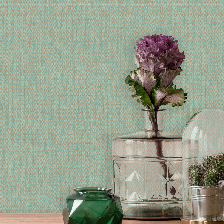 Lifestyle image of wallpaper Garnet in Emerald